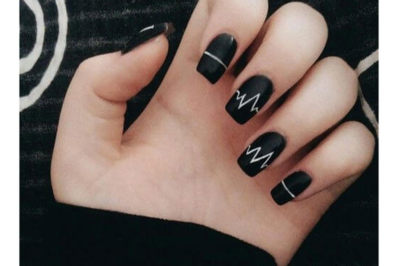 2nd black and white nail art