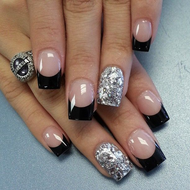 3rd black and white nail art