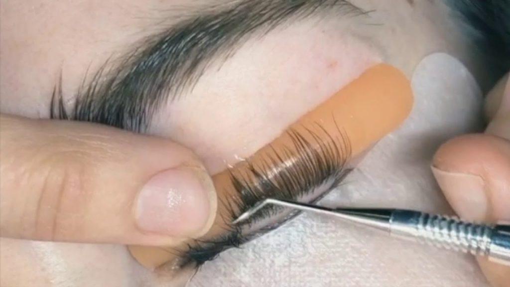 process of making eye lash lift