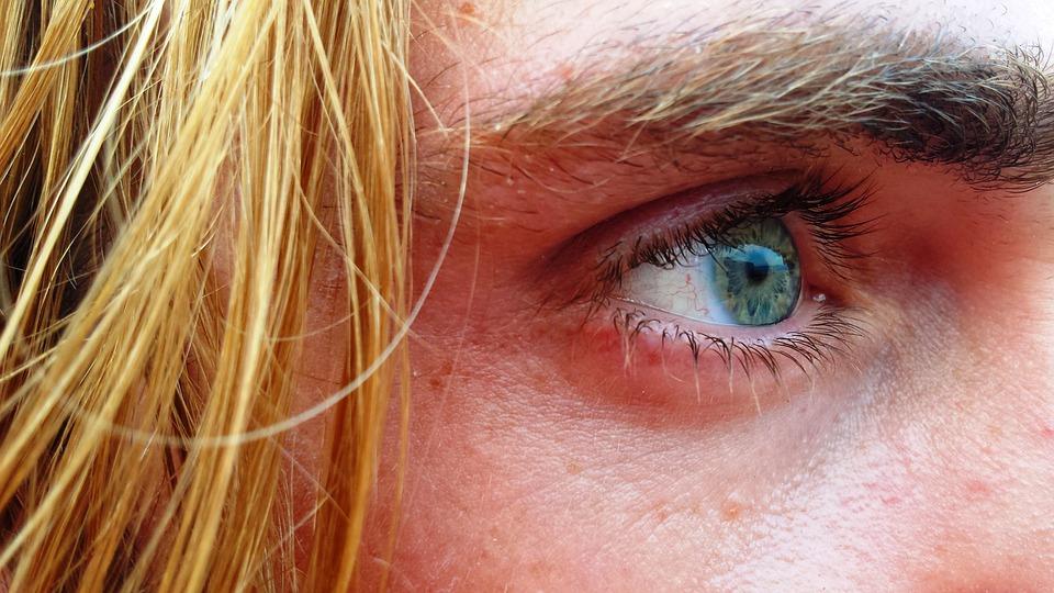 Damage eyelashes
