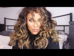 Messy Curls Hairstyle for women above 50
